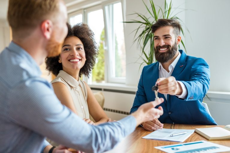 Sales people sharing ideas